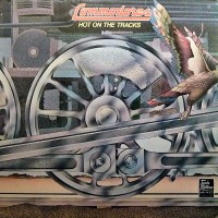 commodores-1976-hot on the tracks